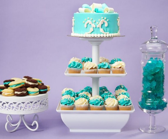 Blue utrquise Cake and Cupcakes